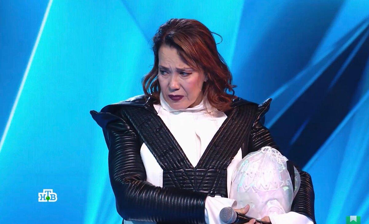 Искажённое злостью лицо «Пингвина» и нескрываемое злорадство ведущего: очень неоднозначный выпуск шоу Маска